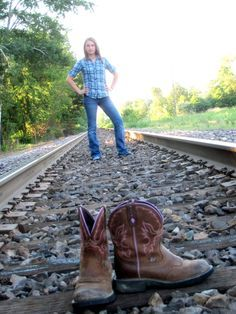 Image result for unique senior picture ideas for country girls