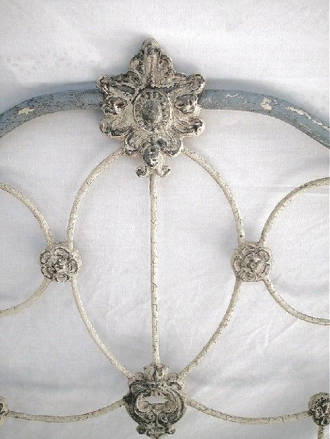 ♕ gorgeous iron bed @Nicky Brigance do you think we could paint my old bed frame?!