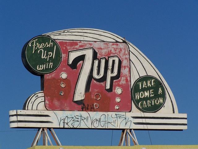 7-up: Vintage Signage, Love Vintage Signs, Fresh, Neon Signs, Neon Lights, Lights Vintage Signs, Vintage Outdoor, Photo, Seven Up 7Up