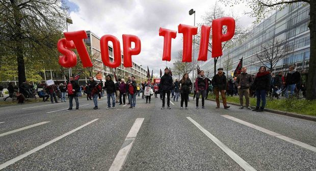 May 3, 2016  The Obama administration has threatened to block all European car exports if they do not accept America's genetically-modified and hormone-enhanced produce.On Sunday, German newspaper… https://winstonclose.me/2016/05/04/ttip-united-states-blackmailing-eu-to-accept-their-gmo-food-by/