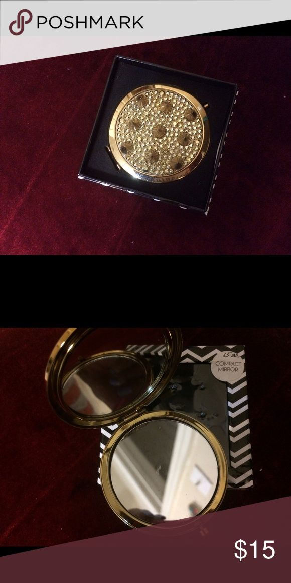 Compact Mirror for Fashion Divas Gold finish with spike headed design! New era purse accessory; new in 📦 👌 Accessories