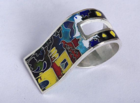 Check out this item in my Etsy shop https://www.etsy.com/listing/253467693/free-shipping-silver-cloisonne-enamel