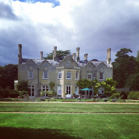 Bossington House is a private family home on the River Test in Stockbridge offering a venue for weddings and events, subject to availability. #weddingvenue #hampshireweddingvenue #stockbridgewedding #marqueeweddinghampshire #bossingtonhouse
