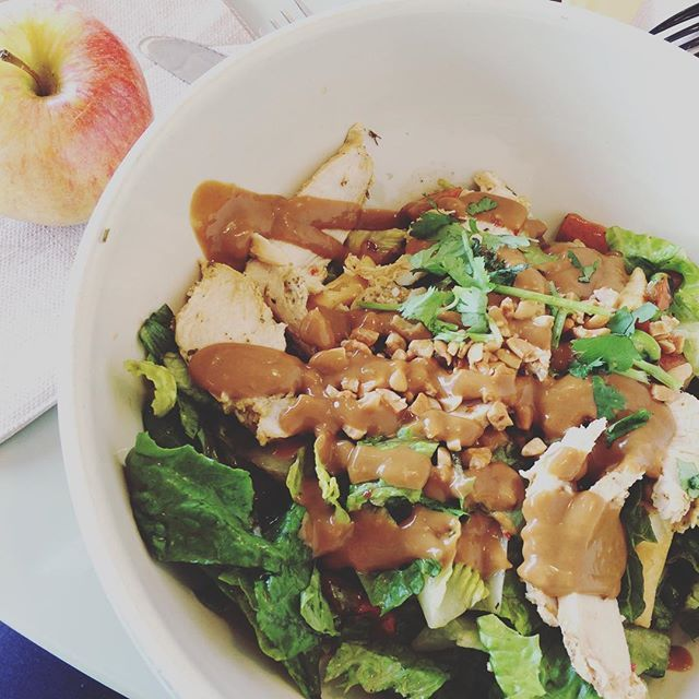 Had lunch with my mom today at bread co! Got the spicy thai chicken salad. • • • #stl#breadco#stlbreadco#panera#salad#health#thai#thaichicken#thaichickensalad#apple#fresh#eatclean#fitfam#micros#macros#iifym#foodie#stlfoodie#goals#motivation#dedication#progress