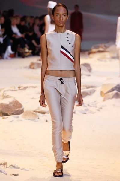 View the complete Moncler Gamme Rouge Spring 2017 collection from Paris Fashion Week.