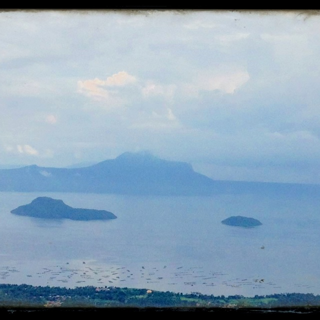 Taal Lake, view from Tagaytay Highlads :)Taal Lakes, Lakes View, Tagaytay Highlad