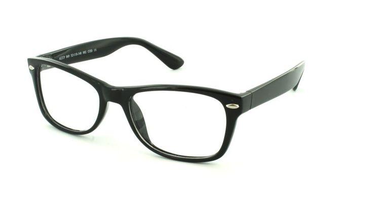Crucis cautiva por sus clásicas cualidades, que presenta con una nueva forma arqueada, lo que confiere un notable atractivo a estas gafas Nerd.