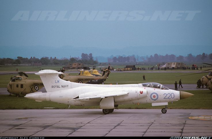 Blackburn Buccaneer S1 aircraft picture