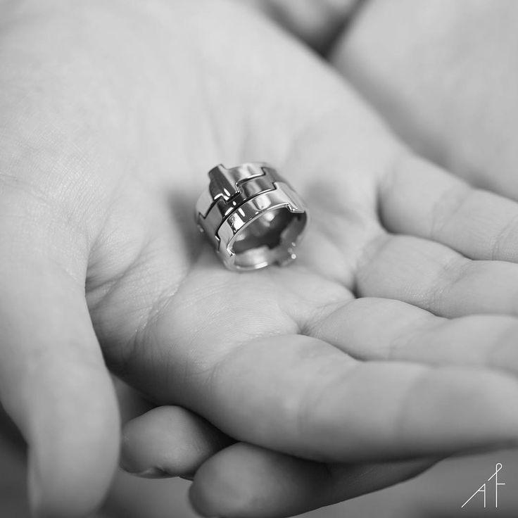 The ring to take your breath away...❤  #afewjewels #jewelry #jewel #fashion #style #amazing #ring #silver #legooring #afew #fashionista #love #blackandwhite #shop #shoponline #beathawa #moda #instamood #instagood #beautiful #simple #unique #love #goodmorning #morning #accessorise #photooftheday #picoftheday