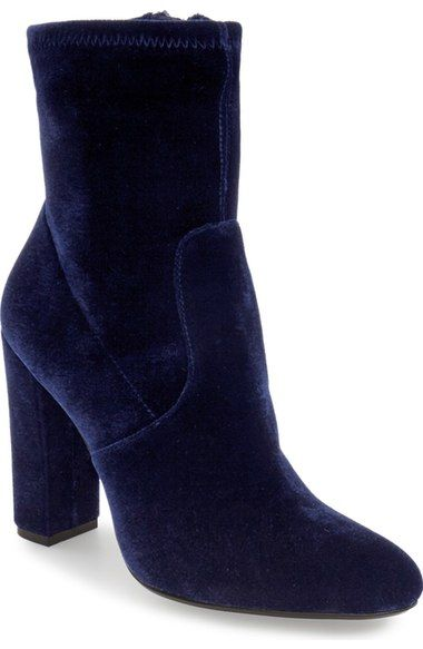 Blue velvet booties! Love this budget shoe find and great way to move in on the velvet trend!