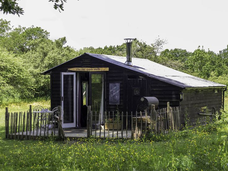 Explore the beautiful Weald of Kent for a romantic few days glamping in our old apple shed set in its own private meadow a short walk to the village pub.