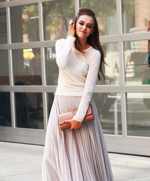 +: Maxi Dresses, Fashion Long Skirts, Fall Maxi, Long Pleated Skirts, Pleated Maxi, Beautiful Skirts, Girls Skirts, Pastel Colors, Maxi Skirts