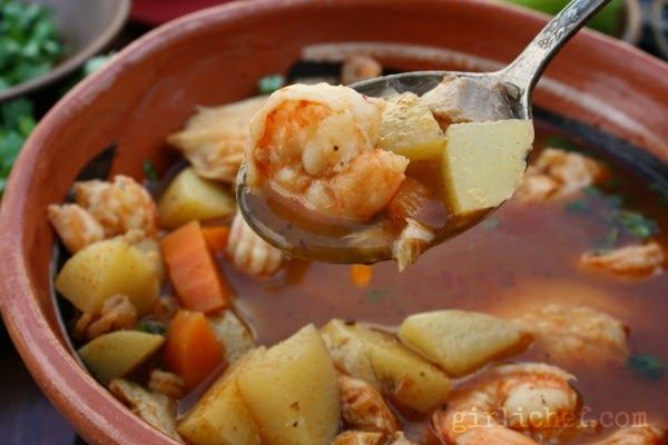 Caldo de Camaron y Pescado | www.girlichef.com