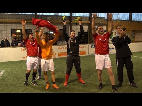 Fußball Europameisterschaft in der Selecao Indoor Soccer Halle - YouTube
