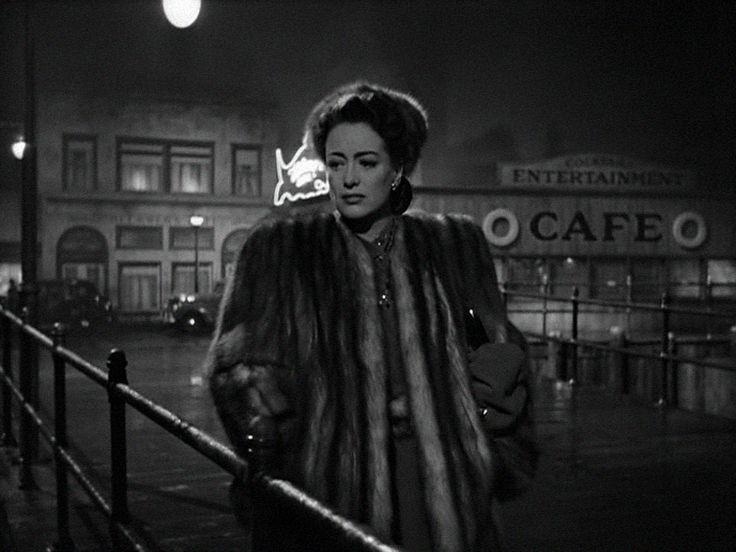 "Mildred Pierce"" (1945) , Film Noir, Joan Crawford, Michael Curtiz// i love this movie."