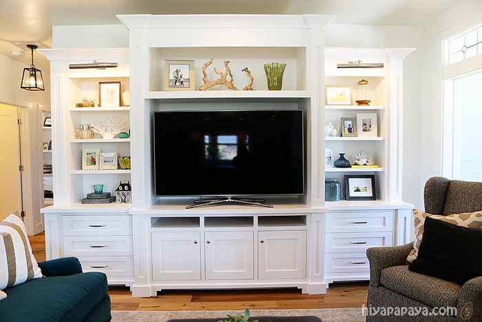 Love this but with a desk or fireplace in the middle.