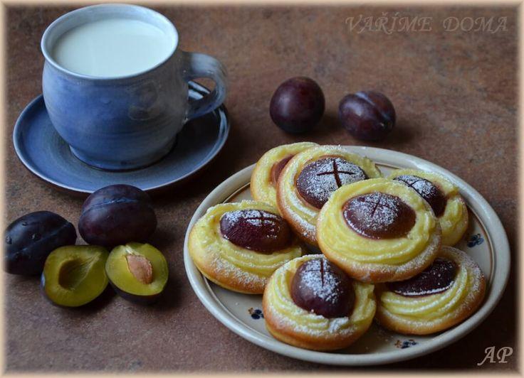 Pudinkovo-švestkové koláče