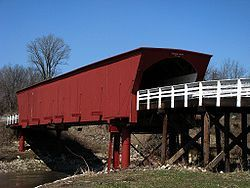 Rosemanin silta (1883), Madisonin piirikunta, Iowa. Cedar Bridge, built in 1883, was destroyed by fire in the fall of 2002.Bridge rededicated in 2004. http://www.madisoncountyparks.org