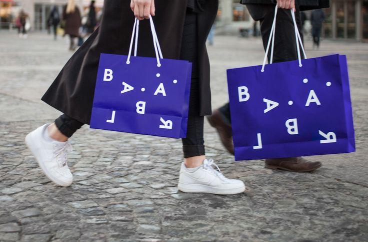 Brand identity and bags by Swedish studio BVD for Blå Bär, an Osaka-based retailer of Scandinavian goods. #branding #bags