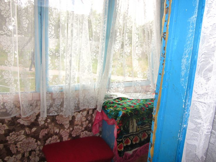 Продам 1-комнатную квартиру, Одинцова, 3/5 кирпич, 30м2, кухня 5м2, комната 18м2, хорошее жилое состояние, не угловая, балкон застеклен, санузел совмещен кафель. Рядом садик, магазин, аптека, остановка.