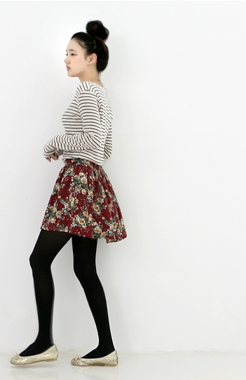 stripes + floral = great! see more on thehallyu.com