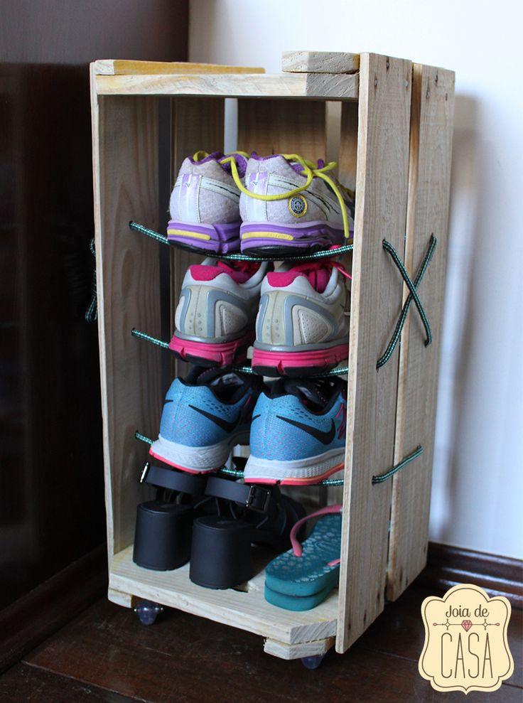 Aparador De Pelos Corpo ~ 25+ melhores ideias sobre Sapateira de madeira no Pinterest Prateleira para sapatos de madeira