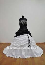 Risultati immagini per abiti da sposa neri e bianchi