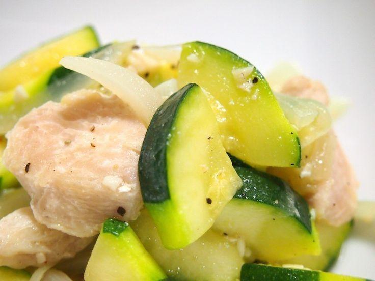 鶏肉とズッキーニの塩炒め by ゆずママさん | レシピブログ - 料理ブログのレシピ満載!