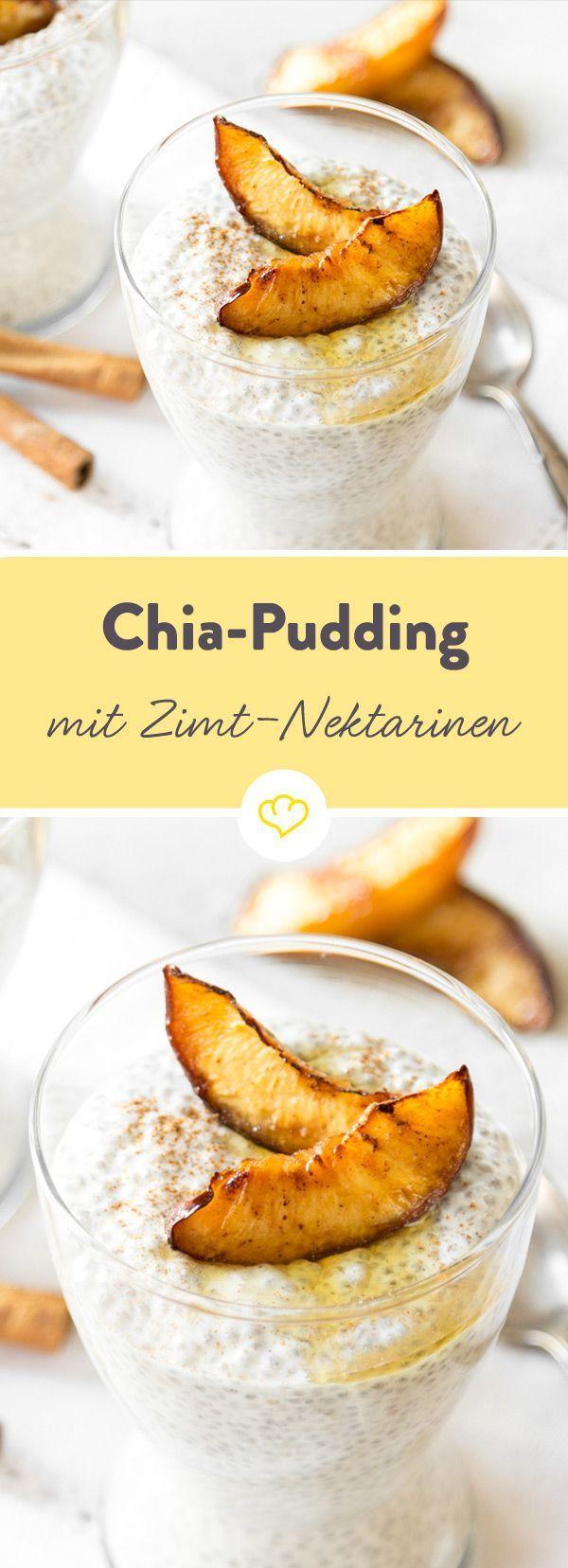 Chia-Pudding mit Mandelmilch und griechischem Joghurt? Gute Idee. Dazu geröstete Zimt-Nektarinen? Noch besser! Dank Ahornsirup karamellisieren sie im Ofen.