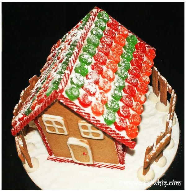 christmas gingerbread house 4