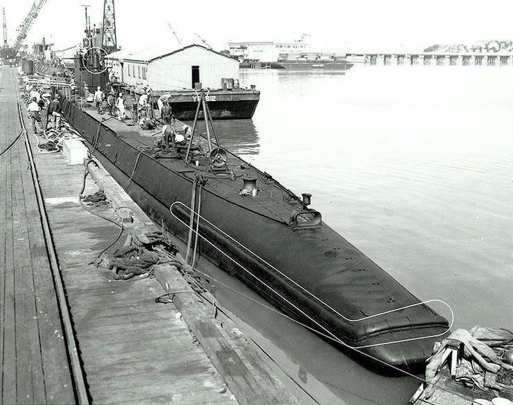 USS Porpoise (SS-172)....