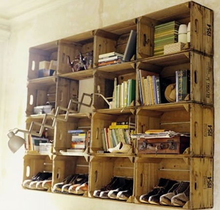 Wine crate bookshelves! DIY decor