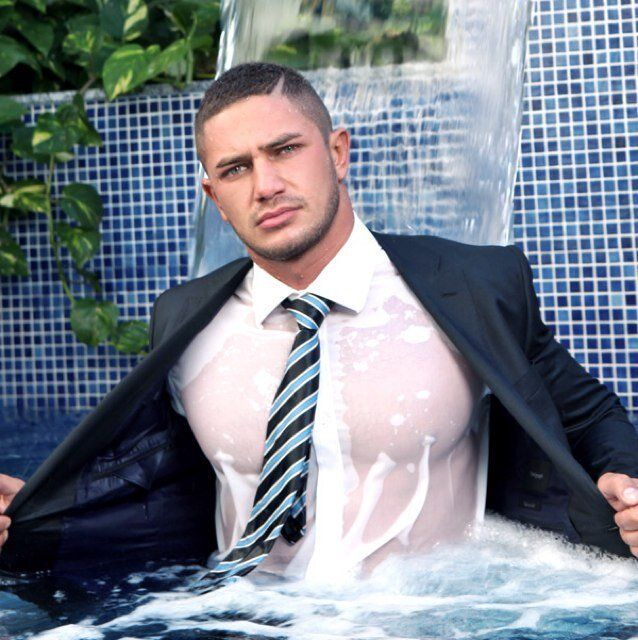 Dato Foland  Homme Muscle, T-Shirt Mouill Et Costume Cravate-1420
