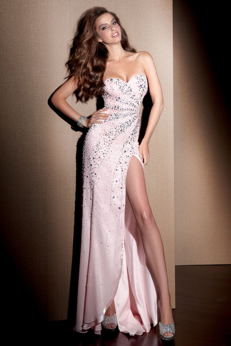 1000  images about Prom dresses on Pinterest | A line, Beaded prom ...