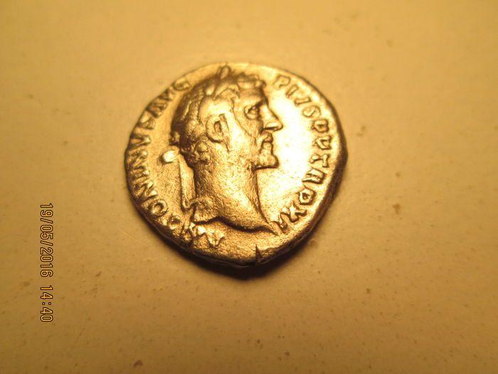 Maison de ventes aux enchères en ligne Catawiki: Empire romain - Antonin le Pieux, AR denier + 148 ap J.-C.