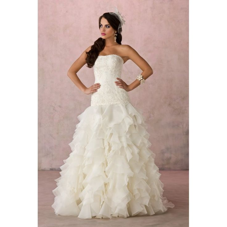Beautiful colored Wedding Dresses Princess Ball Gown Wedding Dresses Strapless Ballroom Wedding Dress