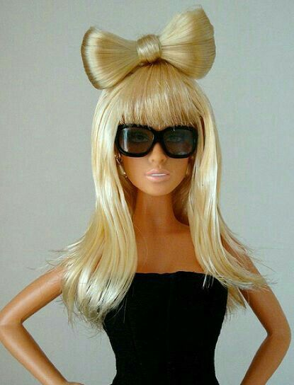 Ooo this is a Lady Gaga Barbie! Her hair is very super. #barbie #ladygagahair