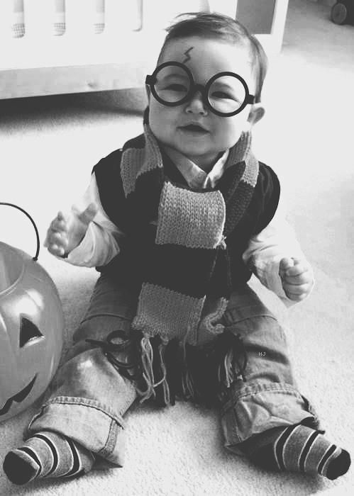 Baby Harry Potter - aDORable!!: Potter Baby, Baby Potter, Baby Harry Potter, Halloween Costumes, First Halloween, Baby Costumes, Future Baby, Costumes Ideas, Kid