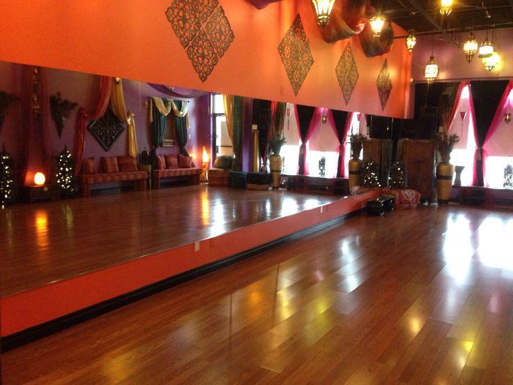 Dancers ready,set, shimmy! #bellydancechic