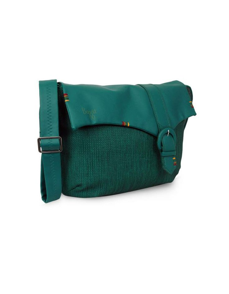 Baggit: Cd Jhuti T Blue - Rs. 1,825/-  Buy Now at: http://goo.gl/1Wv5vZ