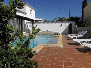 Casa das Rosas in Falfosa: 2 Schlafzimmer, für bis zu 4 Personen. Urgemütliches Ferienhaus mit eigenem Pool an der Algarve | FeWo-direkt