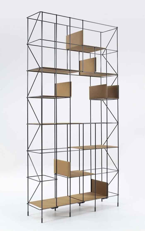 Casamania Network | Materiaal: metaal | Afmetingen: 28,0 cm x 98,0 cm x 192,0 cm (lengte x breedte x hoogte) | Prijs: € 1.649,00 | het is een luchtige kast, die voor ruimte zorgt in het interieur en een industriële  uitstraling heeft. |   https://www.puurdesign.nu/network-casamania?___store=kubikoffplazanl&nosto=nosto-column-right
