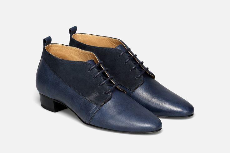 Descubra o melhor calçado de mulher para todas as ocasiões na sua sapataria online! Encontre todos os estilos de sapatos, sandálias, botas e sneakers para completar os seus looks.