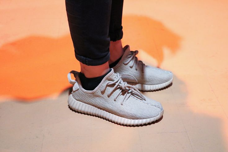 Sneakers women - Adidas Yeezy Boost 350