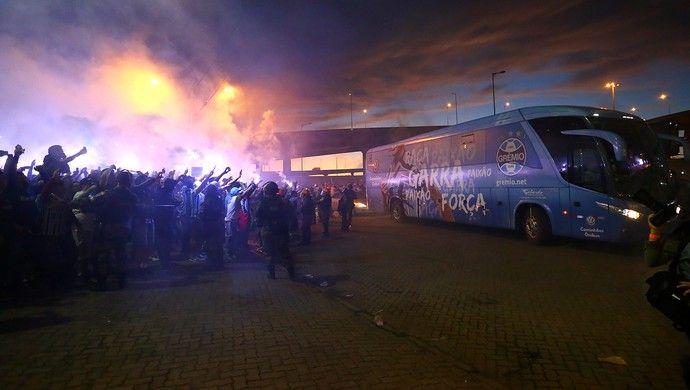 Grêmio x Cruzeiro Arena Copa do Brasil torcida ônibus (Foto: Lucas Uebel/Grêmio/Divulgação)