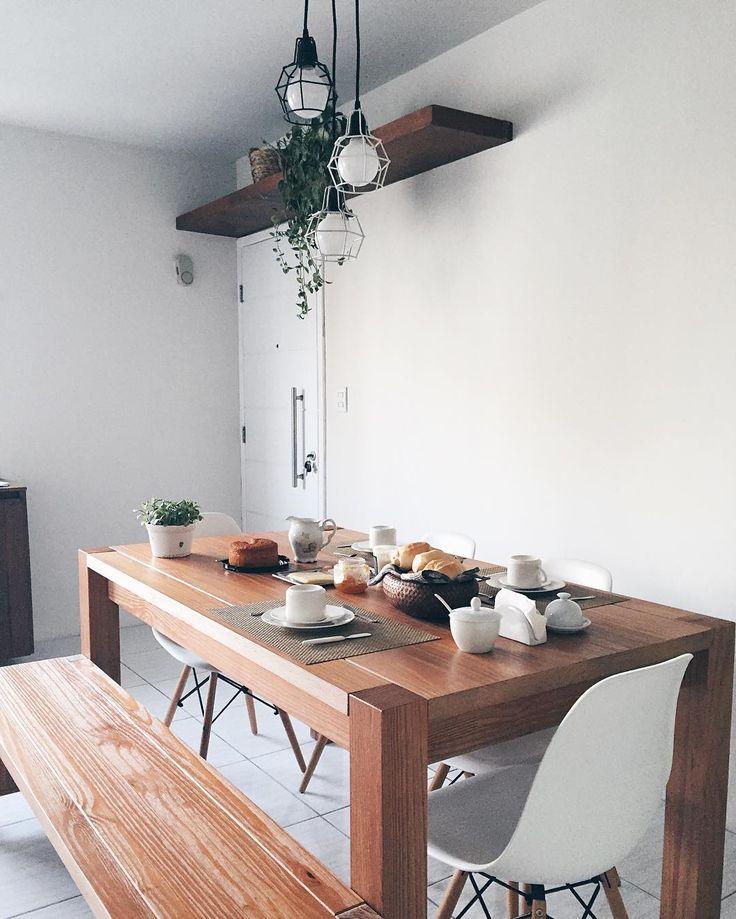 Café da tarde e uma constatação: esse insta é mais de comida do que de decoração, lidem com isso. ☕️ #coffee #coffeelover #cafedatarde #home #eames #decor