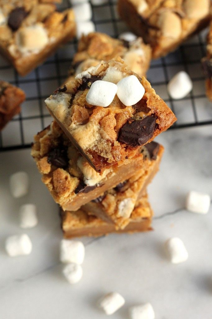 Double Decker S'mores Blondies - Classic smores get smooshed into a dense, chewy brown sugar blondie!
