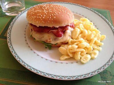 Two Busy Beez: Hamburger di angus con bacon e scamorza