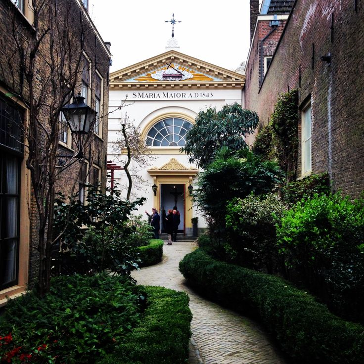 22-2 Hidden Catholic Church in the Voorstraat, Dordrecht; gezien op de terugweg naar de Waterbus