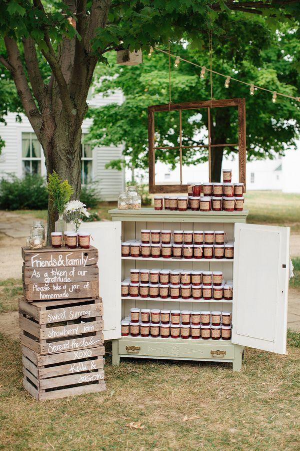 idée de cadeau d'invité meuble champetre mariage petits pots confiture